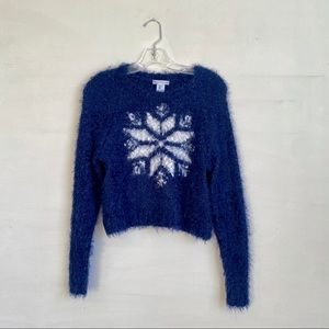 TRENDY H&M CROPPED FUZZY SNOWFLAKE SWEATER